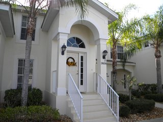 Beautiful Vacation Condo at Colonial Country Club - Fort Myers vacation rentals
