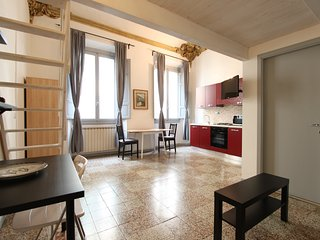 Lucy 2 Central Apartment - Florence vacation rentals
