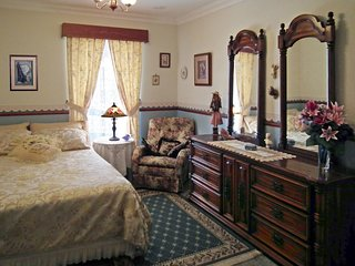 LUXURY ON A BUDGET,  Perth.  ROOM from $69.00 PER NIGHT - Hillarys vacation rentals