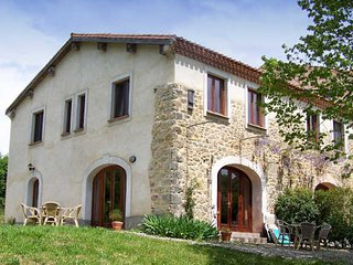 Sonnac-sur-l'Hers French holiday home with pool and fabulous views sleeps 4 - Sonnac-sur-l'Hers vacation rentals