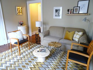 UAB APT. w. 5 min WALKING to Shopping and Dinning - Birmingham vacation rentals