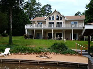 Lake Gaston Virginia, Waterfront Home, 4 Bedroom, 4 Baths, 3200 sq ft, - Bracey vacation rentals