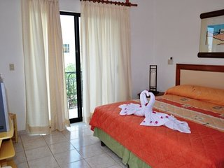 Lovely Condo with Television and Microwave - Playa Maroma vacation rentals
