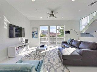 Brand New 4BR, 3.5BA Townhouse w/Pool & Spa - Walk to the Beach - Pompano Beach vacation rentals