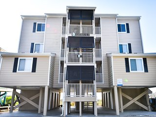 Lighthouse II - Oceanfront w/ Direct Beach Access - Surfside Beach vacation rentals