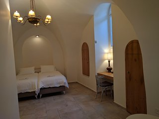 Nice Jerusalem Studio rental with Television - Jerusalem vacation rentals