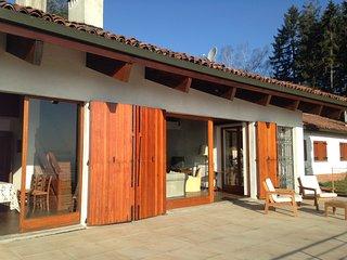 Villa con piscina vista laghi sopra Stresa - Gignese vacation rentals