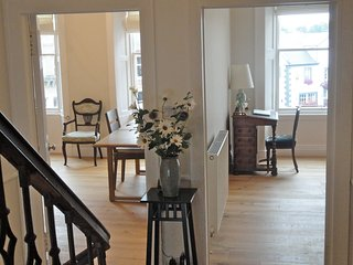 New! Brilliantly Positioned Townhouse Overlooking Market Square, Melrose - Melrose vacation rentals