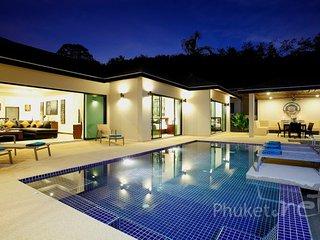 Spacious 4-Bed Pool Villa in Nai Harn - Nai Harn vacation rentals