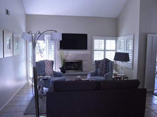 Spacious and Luxurious Condo - 2 Bedroom/2 Bathroom - Bonita vacation rentals