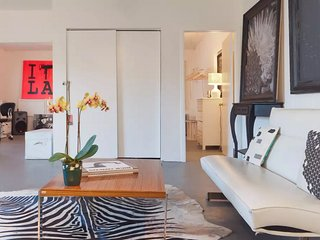 Best Location - Guesthouse/Art Loft - Santa Monica vacation rentals