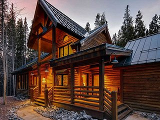 Custom Log Home located a short drive from Breck - Reduced Winter Rates!! - Breckenridge vacation rentals