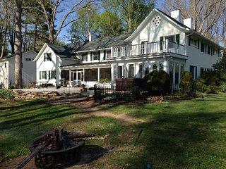 Perfect 7 bedroom House in Fletcher - Fletcher vacation rentals