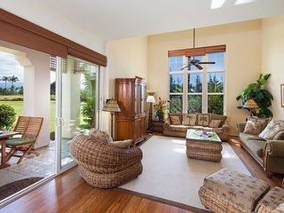 Waikoloa Colony Villas 1202. Stunning townhome on the golf course! - Waikoloa vacation rentals