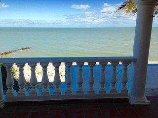 Villa de los Tres Peces - Your Beach Oasis! - Chelem vacation rentals