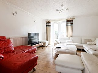 3 Bedroom House in London Custom House of Excel - Barking vacation rentals