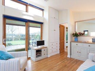 Bright 1 bedroom Hailsham House with Internet Access - Hailsham vacation rentals