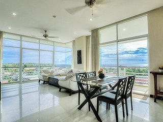 Sea view apartment on the 5th floor in Karon Hill - Karon vacation rentals