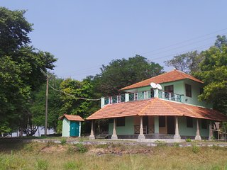 Tranquille Lakeshore Villa Pondicherry - Pondicherry vacation rentals