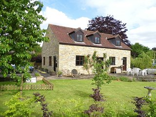 Kingfisher Cottage - village 'barn conversion' nr Sherborne, garden, woodburner - Charlton Horethorne vacation rentals