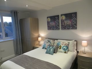Lovely House with Washing Machine and Television - Horsforth vacation rentals