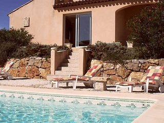 Villa with private pool South France on Golf course sleeps 8 - Montblanc vacation rentals