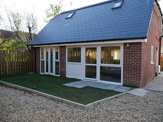 New holiday home in Poole - dog friendly - Poole vacation rentals