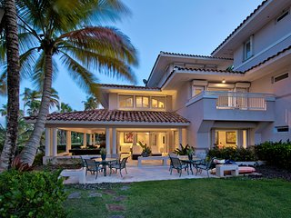 Elegant Beachfront Villa in the Impeccable Dorado Resort! - Dorado vacation rentals