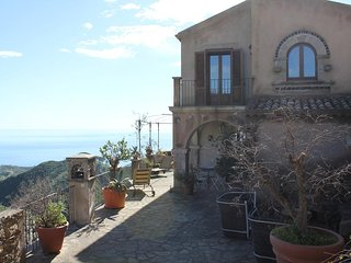 3 bedroom Villa with Boat Available in Savoca - Savoca vacation rentals