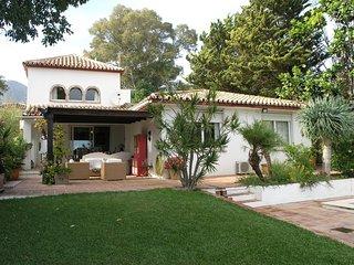 Chic villa with private pool in lush gardens Benalmadena Pueblo - Benalmadena vacation rentals
