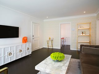 The Dorothy Apartments - Prime Hollywood, Style, Lifestyle - West Hollywood vacation rentals