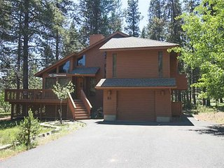 Cozy 3 bedroom Sunriver House with Internet Access - Sunriver vacation rentals