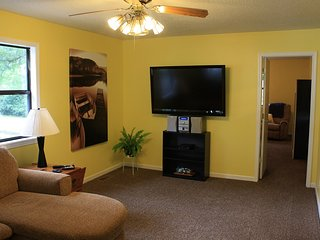 Vacation retreat on Honey Creek, Grand Lake. - Grove vacation rentals