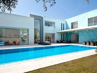 Gorgeous 4 bedroom Villa in Caesarea - Caesarea vacation rentals