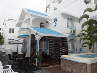 Perfect Villa with Internet Access and A/C - Blue Bay vacation rentals