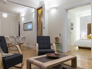 Lazar Deco Suite Basilica, WiFi, AC, 2BR, 2BA 90 sqm at St. Stepen's Basilica - Budapest vacation rentals