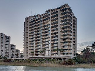 Beautiful 3bd/3 ba, oceanfront condo in a private community - Myrtle Beach vacation rentals