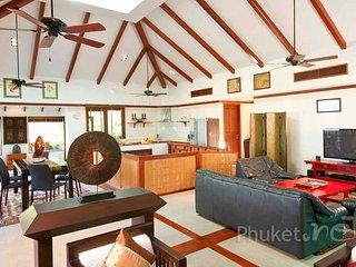Elegant Sea View Villa in Patong - Patong vacation rentals