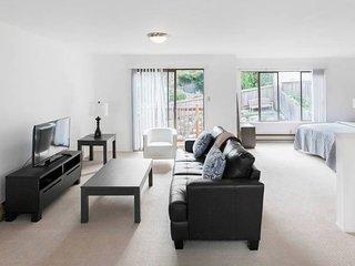 Executive 2 Bedroom Luxury Loft in Noe Valley - San Francisco vacation rentals
