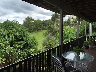 1 bedroom Condo with Housekeeping Included in Mudgeeraba - Mudgeeraba vacation rentals