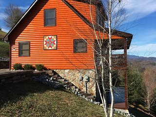 River Country Cabin - Amazing Blue Ridge Mountain Views - Piney Creek vacation rentals