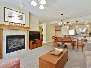 Luxury Ski In/Out In Resort Base Village #4283 - Great Views/Hot Tub/Garage/WiFi - Winter Park vacation rentals