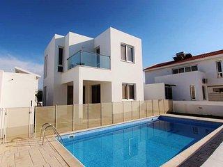 """Villa """"Colonian 15"""" - Pervolia vacation rentals"""