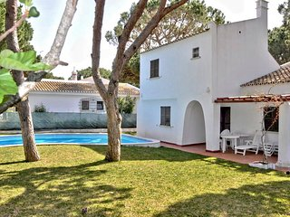 Waling distance to centre, 2 bedroom private pool villa - Vilamoura vacation rentals