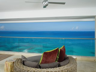 **WONDERFUL RATES AVAILABLE - PLEASE ASK** Portico - 3 Bedroom Luxury Villa - Prospect vacation rentals