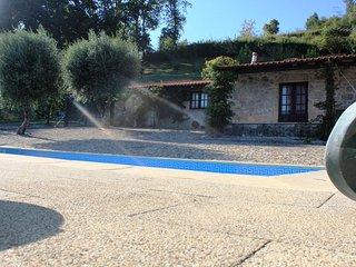 Salt water pool, tennis court, sauna, game room, tree house and gardens - Vila Verde vacation rentals
