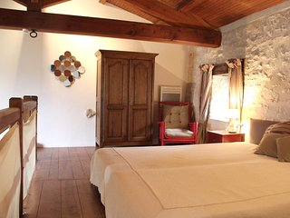 Nice House with Internet Access and Shared Outdoor Pool - Milhac-de-Nontron vacation rentals