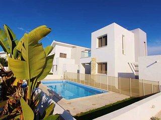 """Villa """" Colonian 16"""" - Pervolia vacation rentals"""