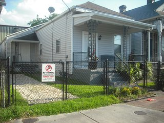 Bright House with A/C and Satellite Or Cable TV - New Orleans vacation rentals