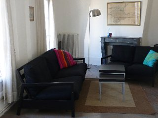 Heart of Paris Vacation Rental Near Bistros and Markets - Paris vacation rentals